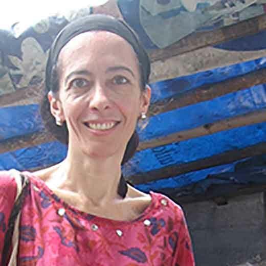 stéphanie solier parle du DU solidarité internationale